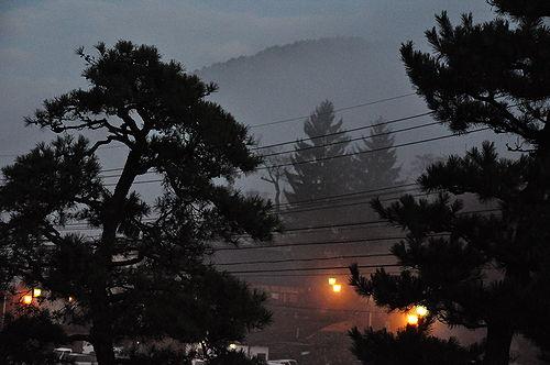 夜明け前の渋温泉郷。すげー寒い。