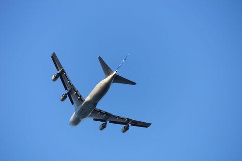 今日の一枚「城南島海浜公園から飛行機を狙う」