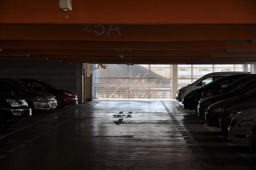 今日の一枚「立体駐車場」